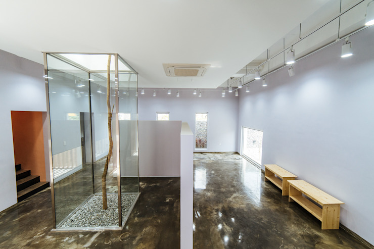 청향실(聽香室) 모던스타일 거실 by AAPA건축사사무소 모던