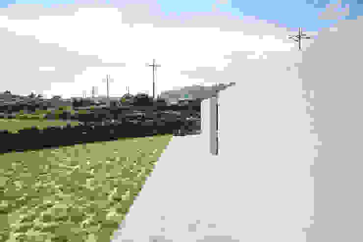 MONG_RO (꿈길) 모던스타일 주택 by AAPA건축사사무소 모던