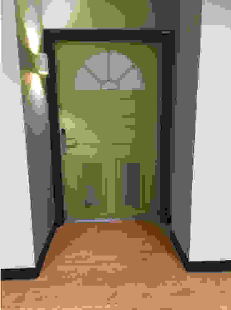 Één van de kamer ingangen Landelijke ziekenhuizen van Studio Nor Landelijk