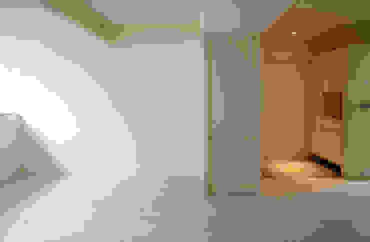 客廳/玄關 根據 ISQ 質の木系統家具 簡約風