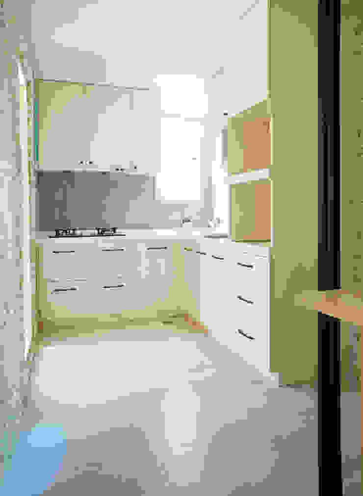 廚房 根據 ISQ 質の木系統家具 現代風