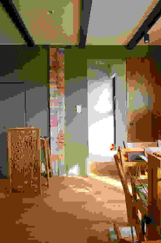 一級建築士事務所アールタイプ Estudios y despachos de estilo moderno Madera Beige