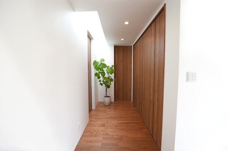 Style Create Modern Corridor, Hallway and Staircase Wood effect