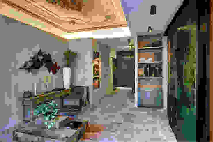 Alphenberg Leather Moderne gangen, hallen & trappenhuizen van Loek van Walsem Fotografie Modern