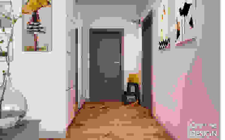 One Line Design Pasillos, vestíbulos y escaleras de estilo escandinavo