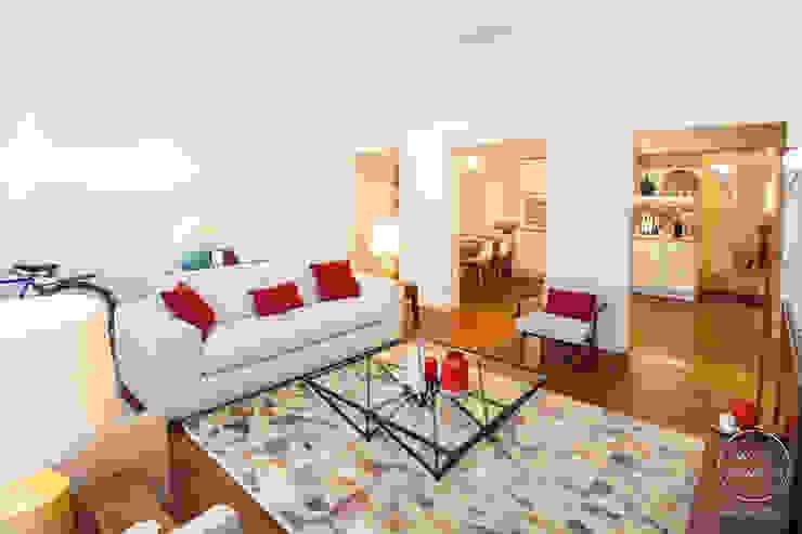 Modern Living Room by Matos + Guimarães Arquitectos Modern