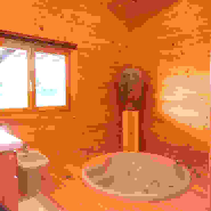 Rustic style bathroom by Rusticasa Rustic Solid Wood Multicolored