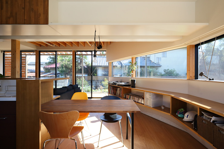 plug Modern dining room by *studio LOOP 建築設計事務所 Modern