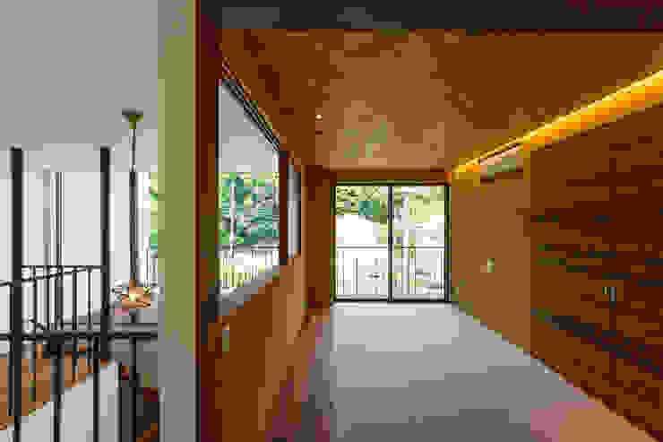 haus-flat 和室 モダンデザインの 多目的室 の 一級建築士事務所haus モダン 木 木目調