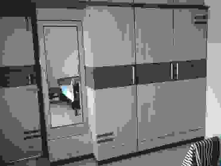 Wardrobe:  Bedroom by URBAN HOSPEX INTERIORS