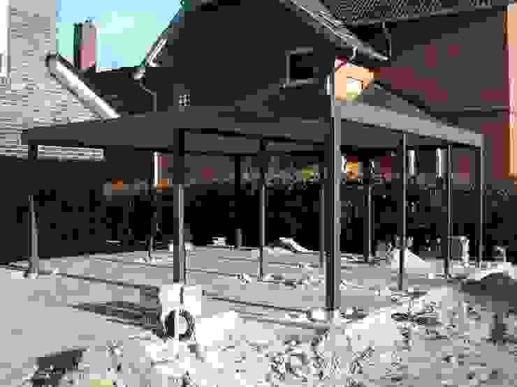 Metallcarport Rohbau von Carport-Schmiede GmbH & Co. KG - Hersteller für Metallcarports und Stahlcarports auf Maß Modern Eisen/Stahl