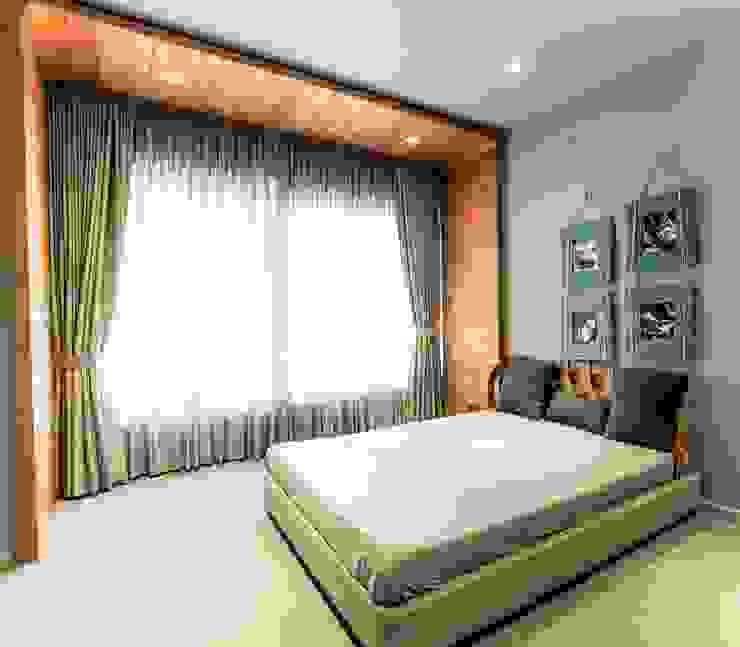BEDROOM 1 Modern style bedroom by DESIGNER'S CIRCLE Modern