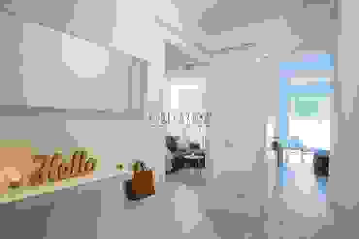 Corridor & hallway by Redecoram Home Staging, Scandinavian