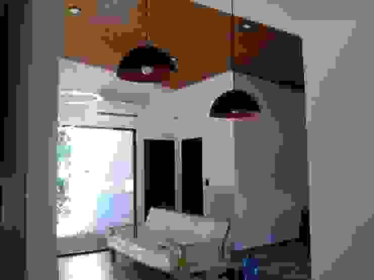 Otra casa, mi otra casa… Salones minimalistas de Marcelo Manzán Arquitecto Minimalista