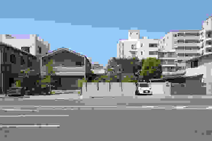 Modern Houses by 佐藤重徳建築設計事務所 Modern