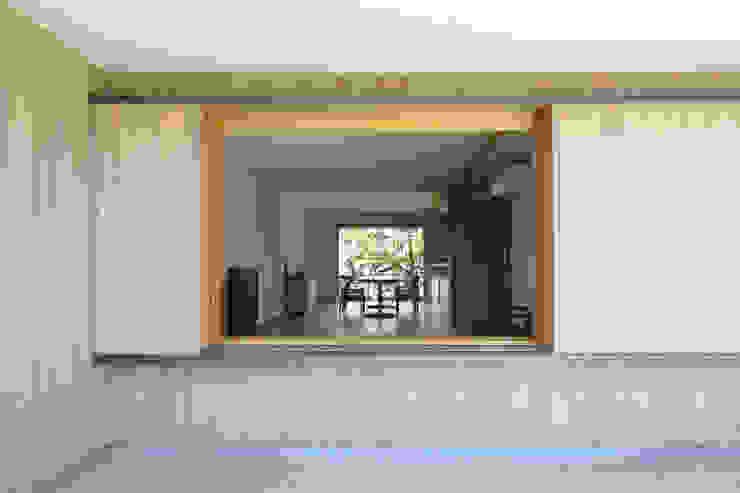 现代客厅設計點子、靈感 & 圖片 根據 佐藤重徳建築設計事務所 現代風