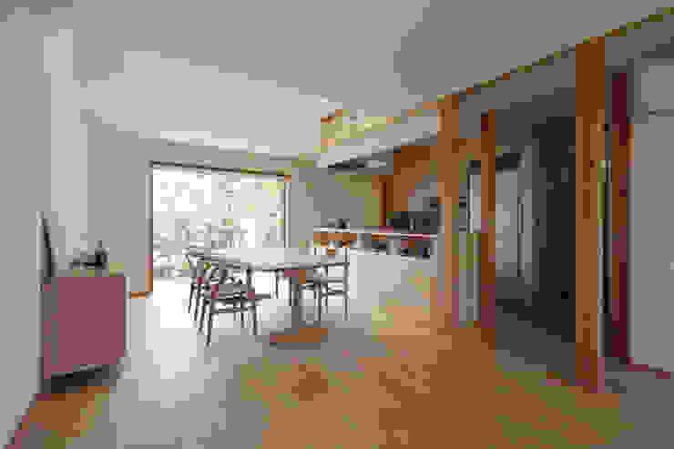 Modern Living Room by 佐藤重徳建築設計事務所 Modern