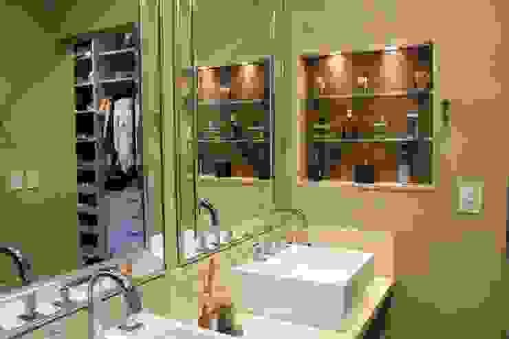 Klassische Badezimmer von Arquiteta Bianca Monteiro Klassisch Marmor