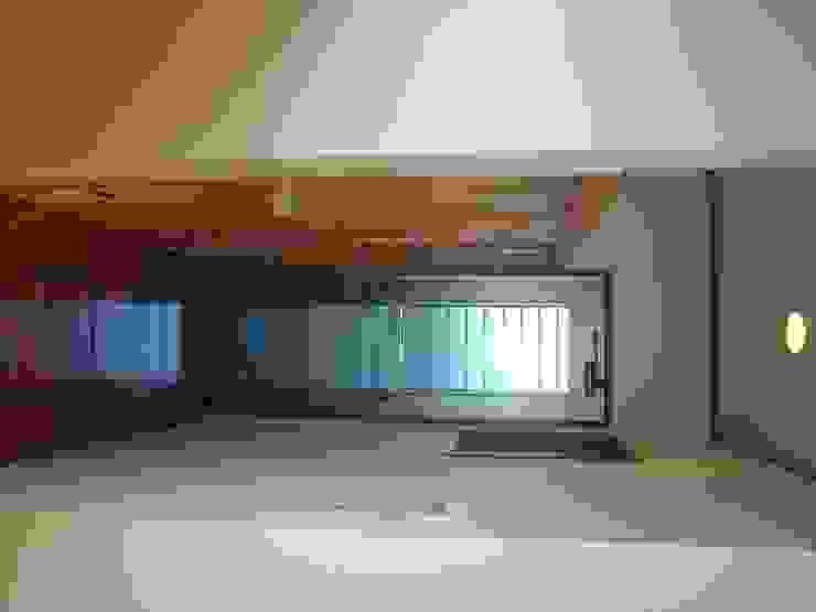 マルモコハウス Modern style doors