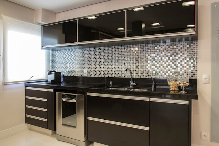 Maluf & Ferraz interiores Kitchen units MDF Black