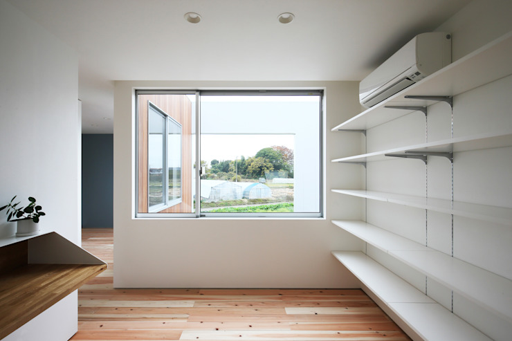 *studio LOOP 建築設計事務所 Modern study/office