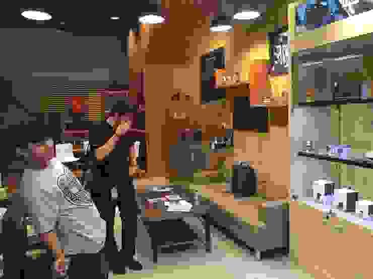 Digital One Stop Solution – Jakarta Kantor & Toko Gaya Industrial Oleh Multiline Design Industrial