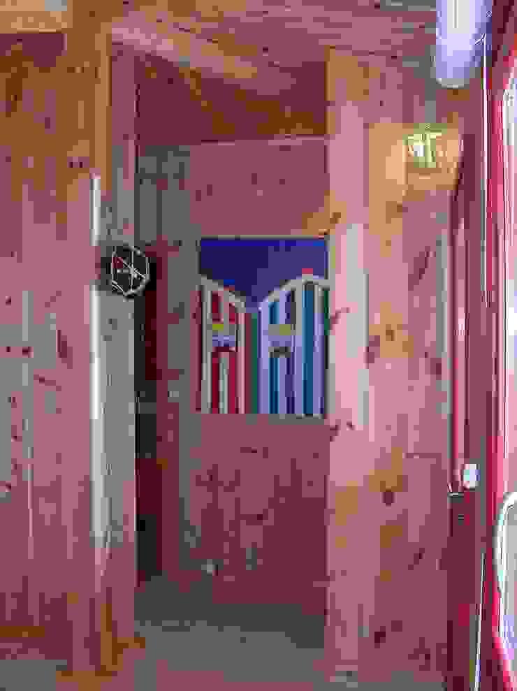 Rustic style corridor, hallway & stairs by Rusticasa Rustic Wood Wood effect