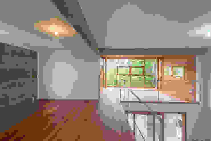 Rancho 14 Paredes e pisos modernos por A+R arquitetura Moderno