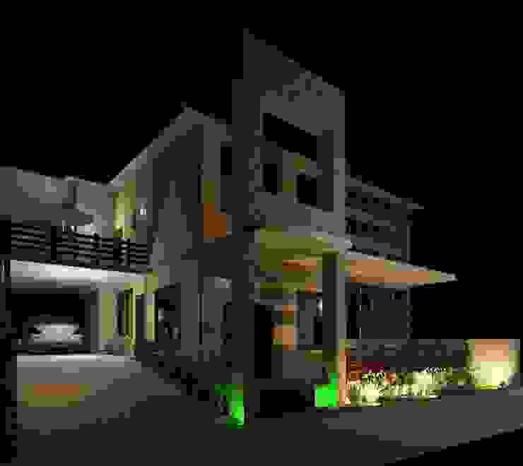 Vista Nocturna desde el acceso Diseño Store Casas modernas