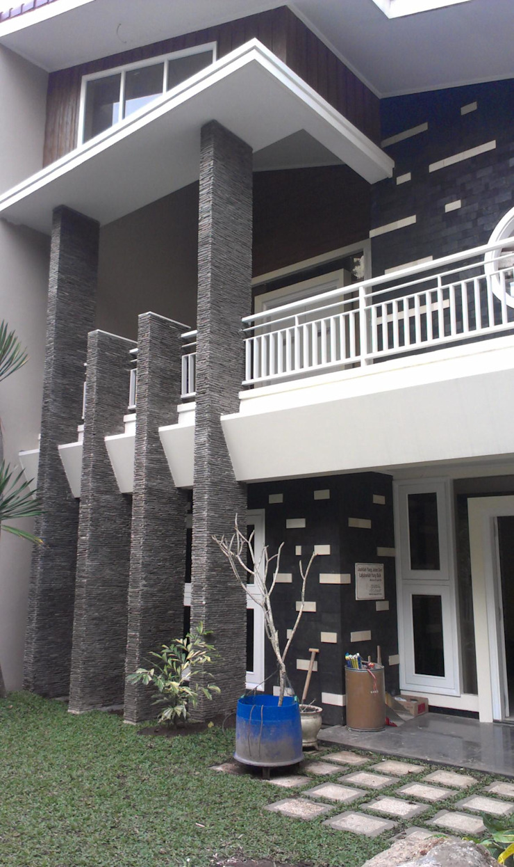 Rumah Jalan Taman Slamet No 9 Malang Oleh the OWL