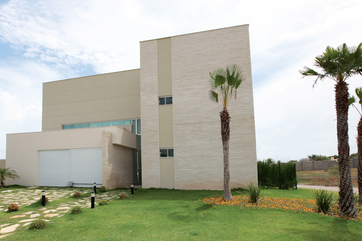 Moderne Häuser von Danielle Valente Arquitetura e Interiores Modern