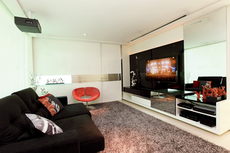 غرفة الميديا تنفيذ Danielle Valente Arquitetura e Interiores