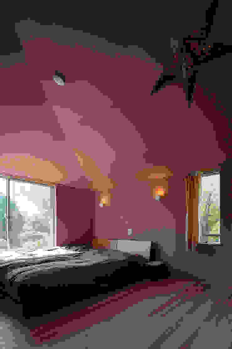 やすらぎの家 株式会社 井川建築設計事務所 モダンスタイルの寝室