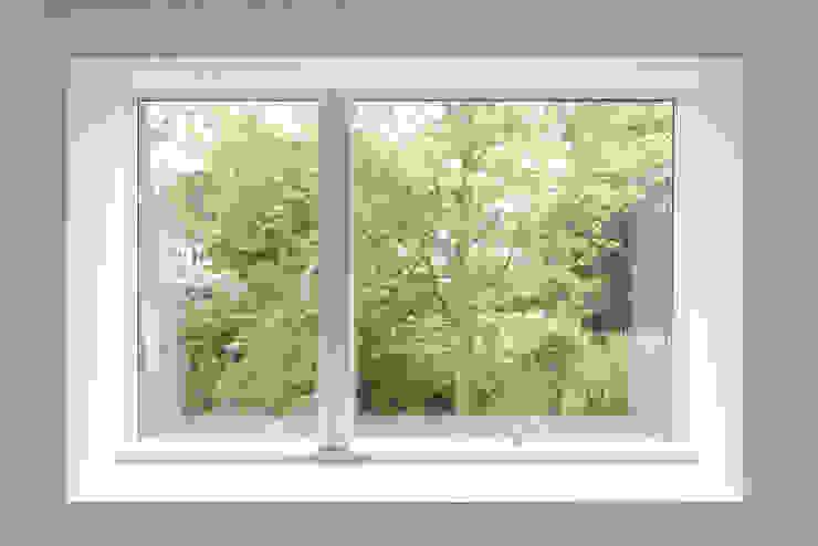 Minimalistisches Fenster Sieckmann Walther Architekten Minimalistische Fenster & Türen Holz Weiß