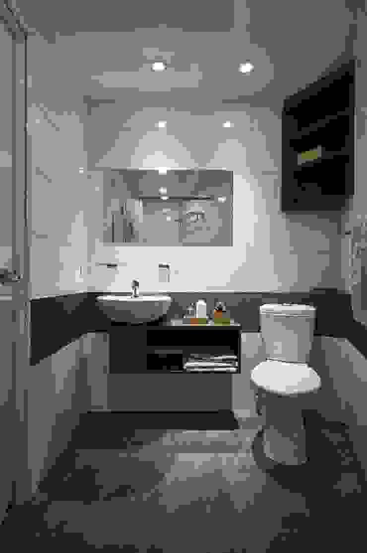 好用的浴下櫃 現代浴室設計點子、靈感&圖片 根據 第宅空間設計 現代風