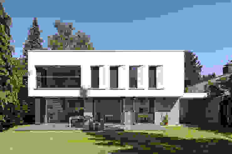 Villas by Sieckmann Walther Architekten, Modern