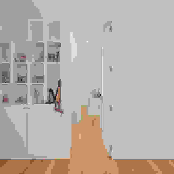 HUGO MONTE | ARQUITECTO Girls Bedroom Wood White