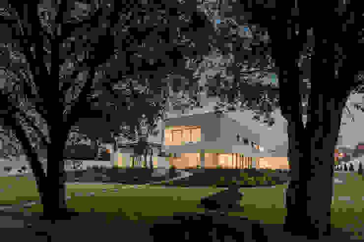 Einfamilienhaus von HUGO MONTE | ARQUITECTO, Minimalistisch Beton