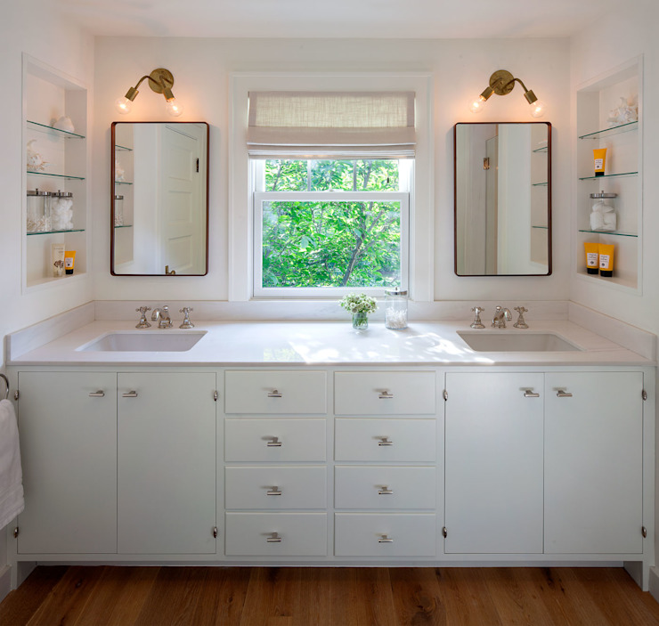 Shelter Island Country Home Industrial style bathroom by andretchelistcheffarchitects Industrial