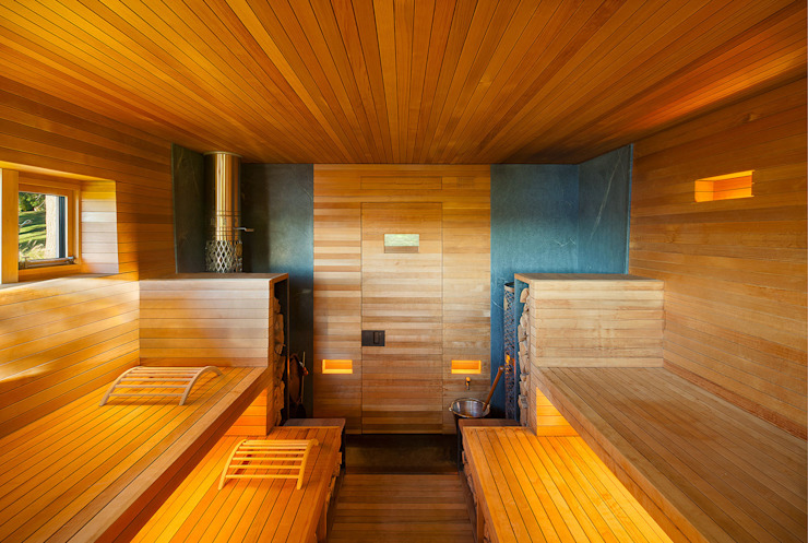 Hudson Valley Spa:  Sauna by andretchelistcheffarchitects, Modern