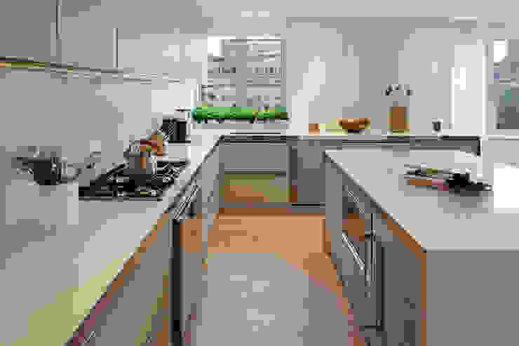 Upper East Side Apartment Modern Kitchen by andretchelistcheffarchitects Modern