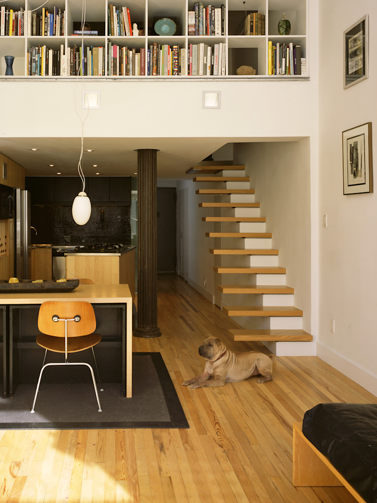 Moderne woonkamers van Kimberly Peck Architect Modern