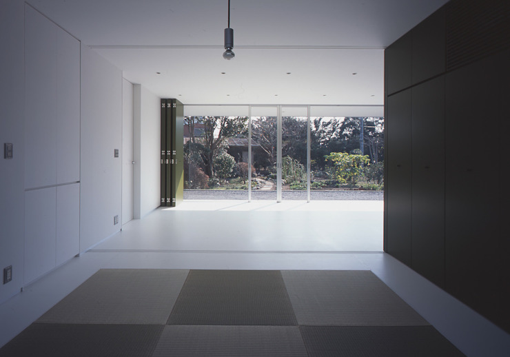 コンセント 和室・リビング: Smart Running一級建築士事務所が手掛けた和室です。