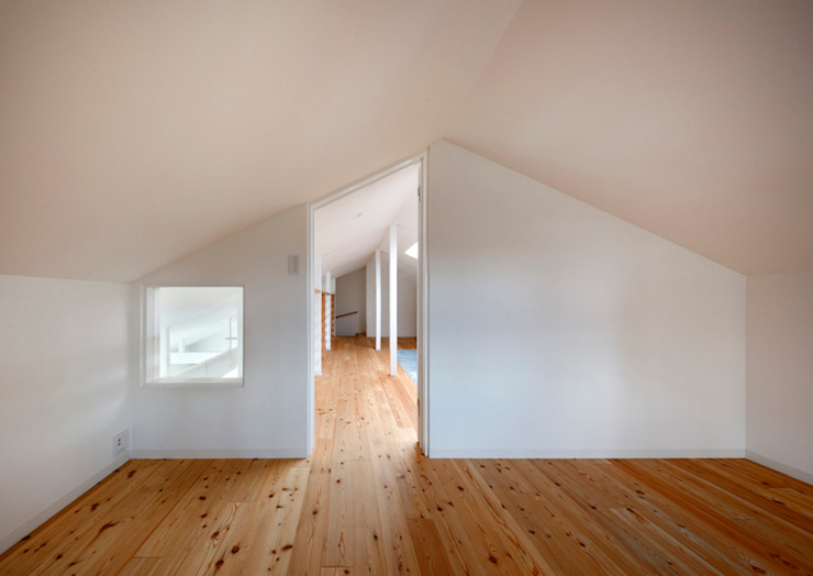 Ruang Studi/Kantor Gaya Skandinavia Oleh atelier m Skandinavia