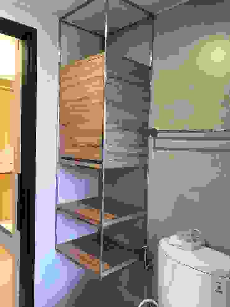 楠梓住宅 現代浴室設計點子、靈感&圖片 根據 清石空間設計工作室 現代風 塑木複合材料