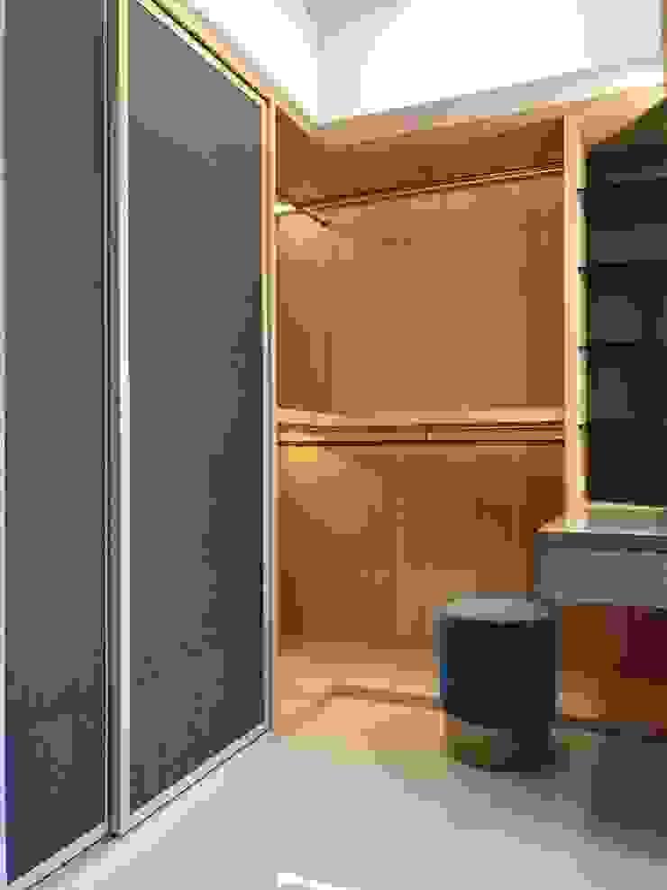 楠梓住宅 現代浴室設計點子、靈感&圖片 根據 清石空間設計工作室 現代風 木頭 Wood effect