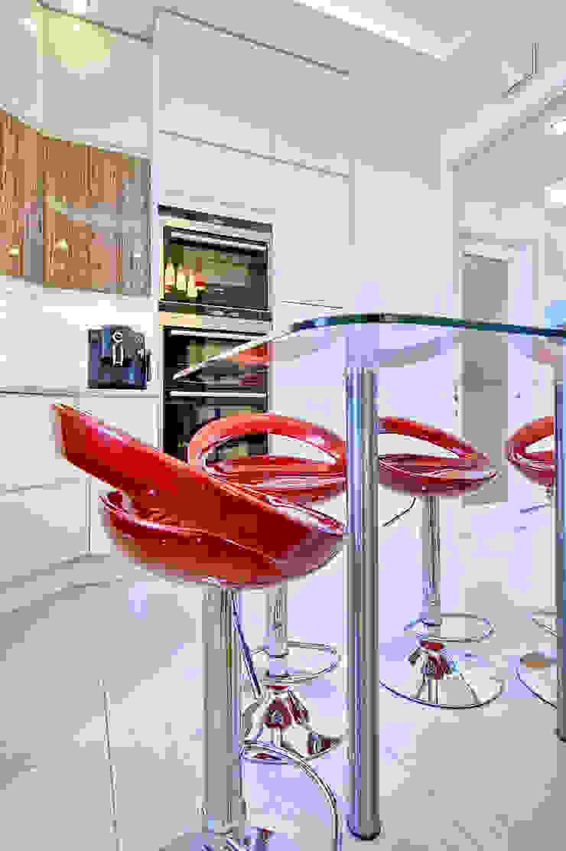 Apartment in West Kensington #1 Modern Kitchen by AR Architecture Modern