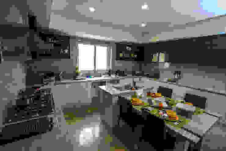 Family Kitchen Micasa Design Kitchen units Grey