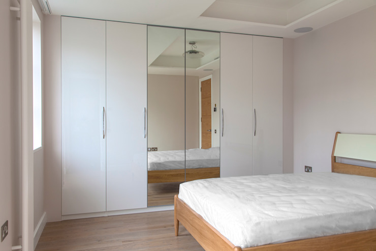 Penthouse Apartment in Docklands Minimalist bedroom by AR Architecture Minimalist