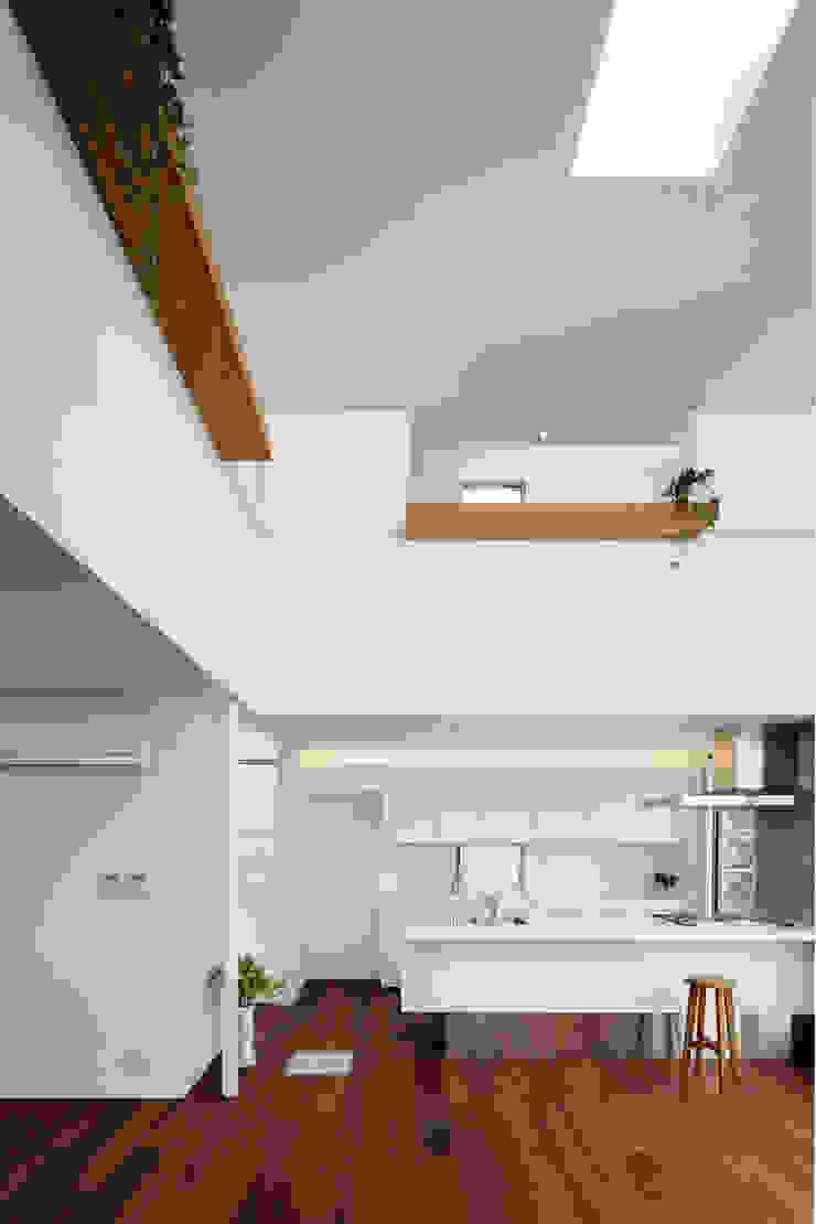 アトリエ スピノザ Modern style kitchen